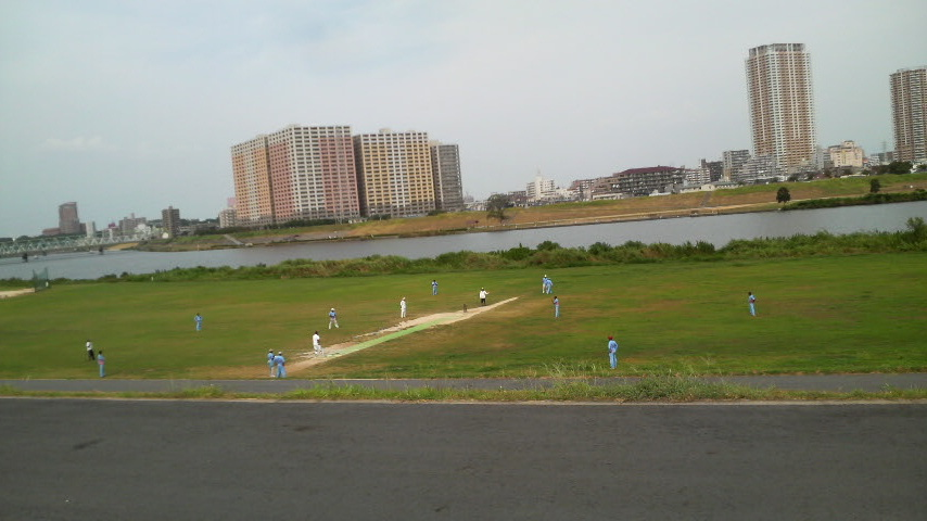 Baseball is the choice of sport in Japan, but the growing Indian community is bringing a bit of cricket action to the floodplains of the country!