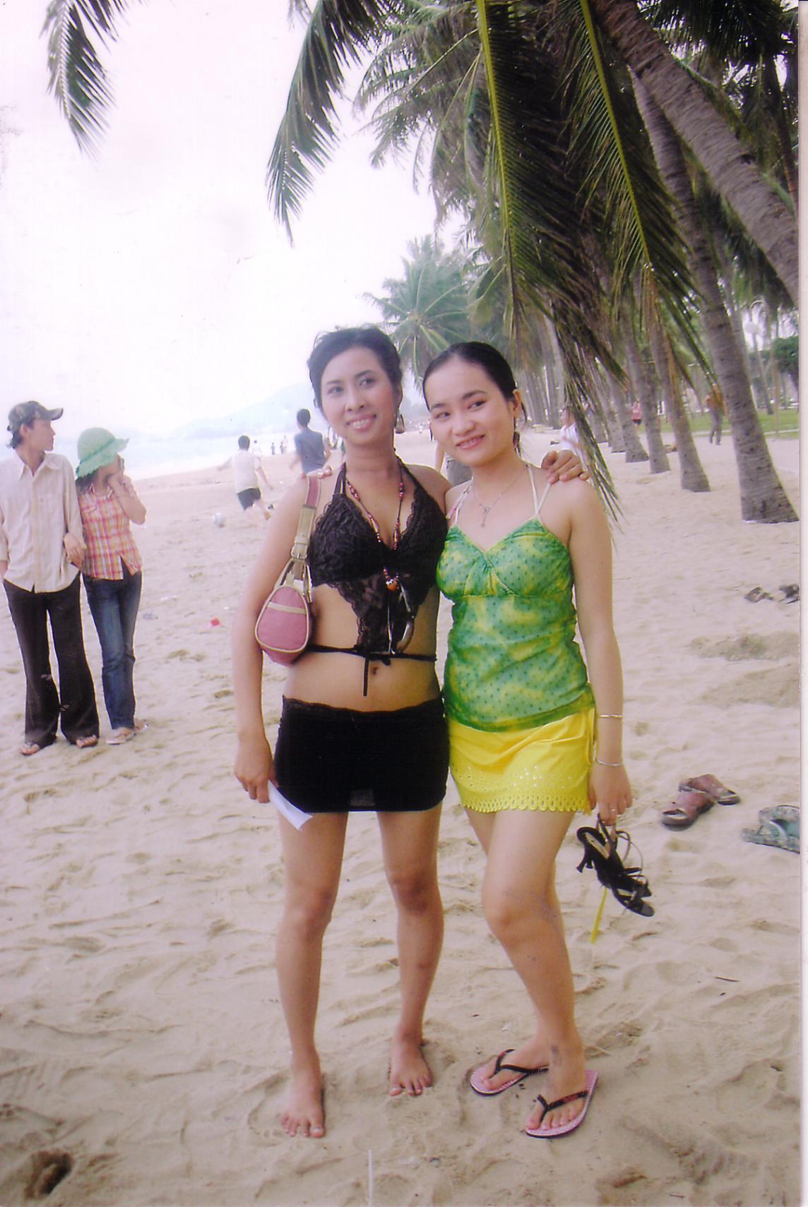 Beach Babes, Vietnam