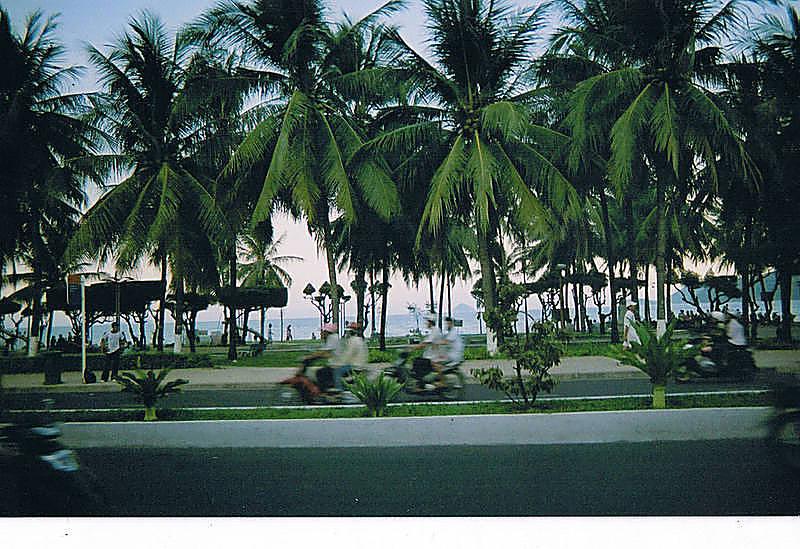 Nha Trang Beachside Blur